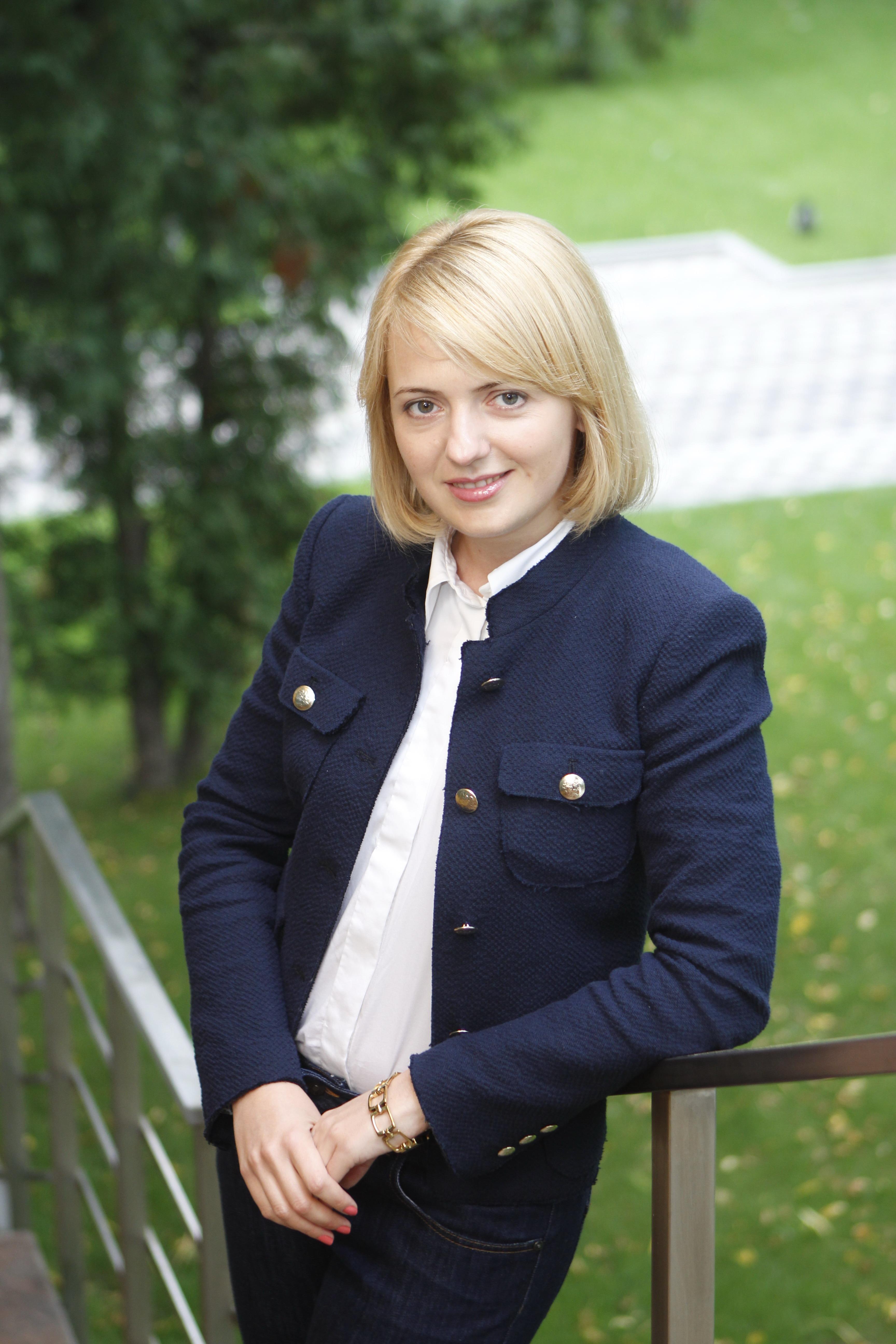 """Екатерина Щеглова, директор по развитию издательства """"Экономика"""", главный редактор журнала """"Майбутне"""", студентка London School of Business&Finance, MSc Strategic Marketing"""