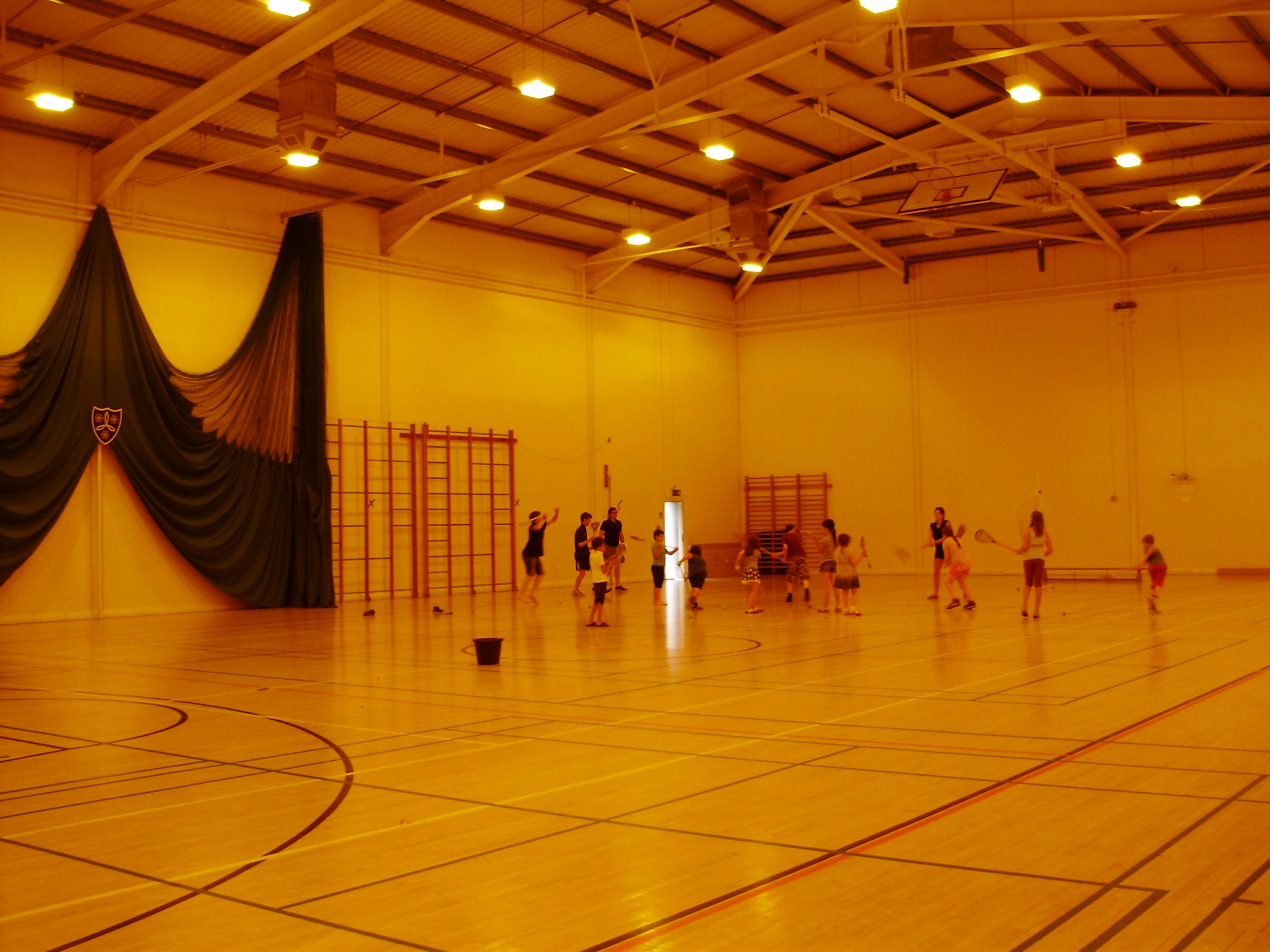 Спортивный зал в Moreton Hall School