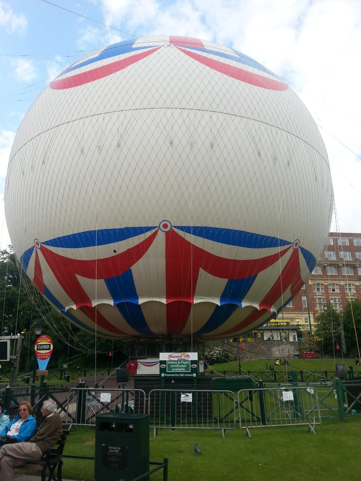 Воздушный шар в Борнмуте
