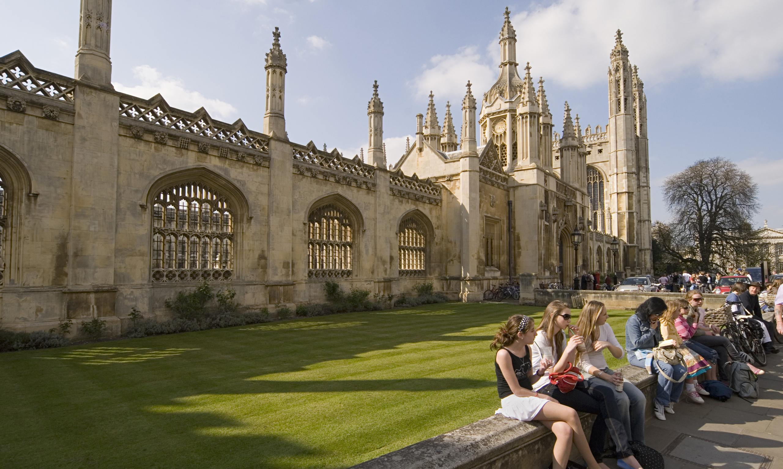 Students-at-Kings-College-014
