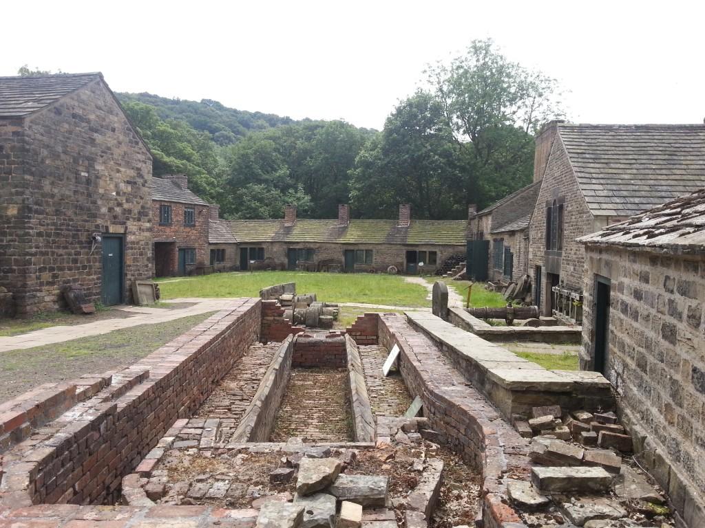Почти полностью сохранившаяся деревушка Шеффилдских сталеваров Abbeydale Industries с 300-летней историей