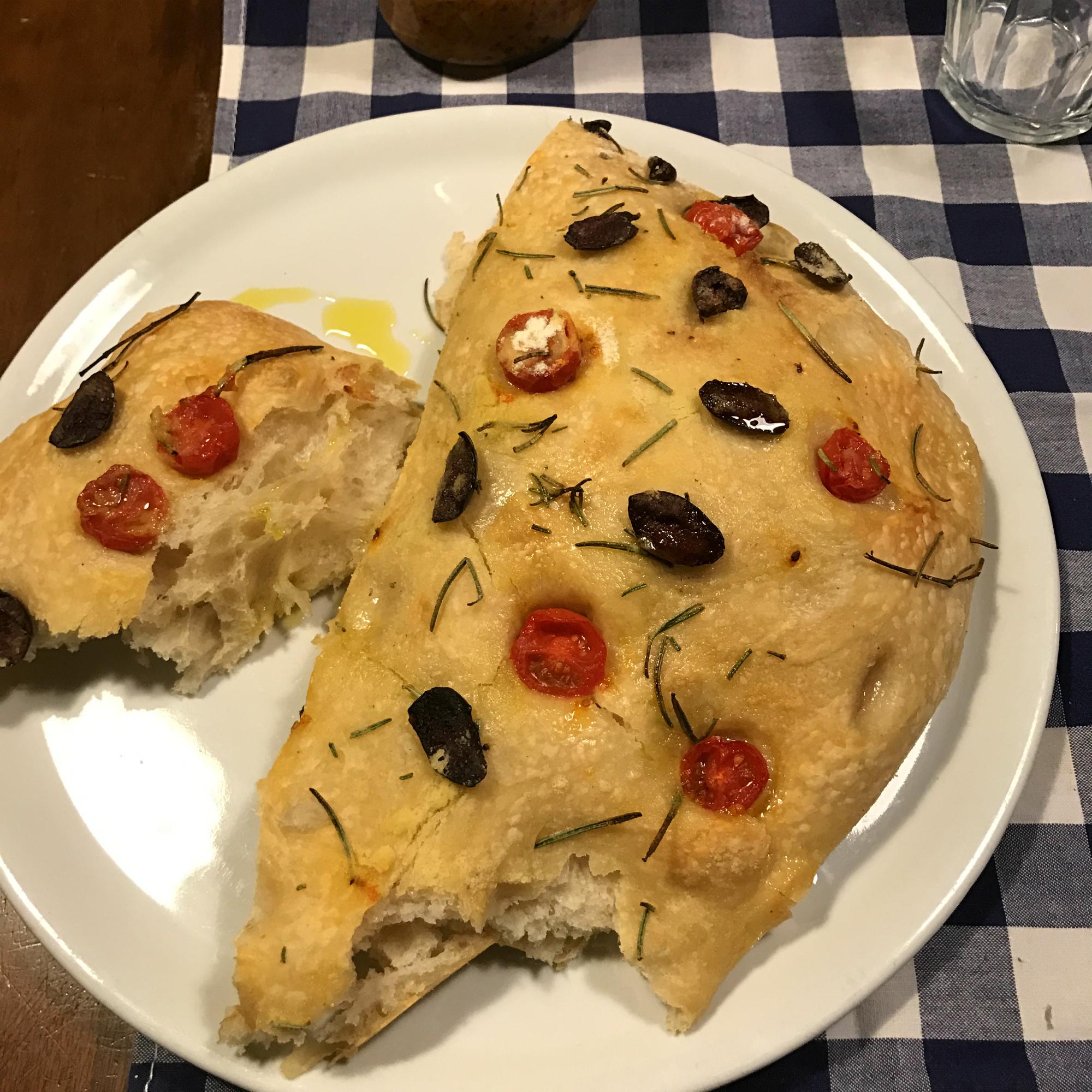 """Маріелла частувала всіх стравами італійської кухні"""