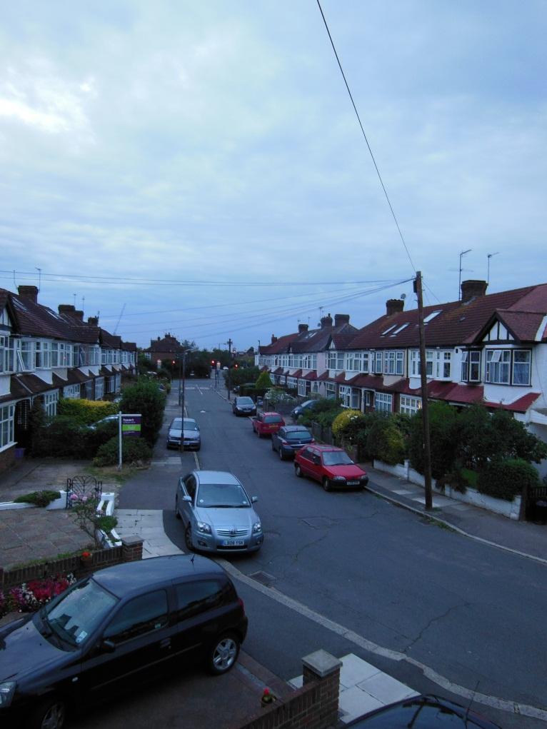 Вид из моего окна и типичная лондонская погода