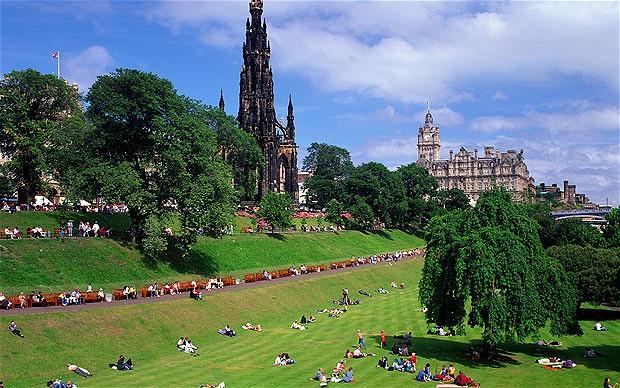 Эдинбург летом