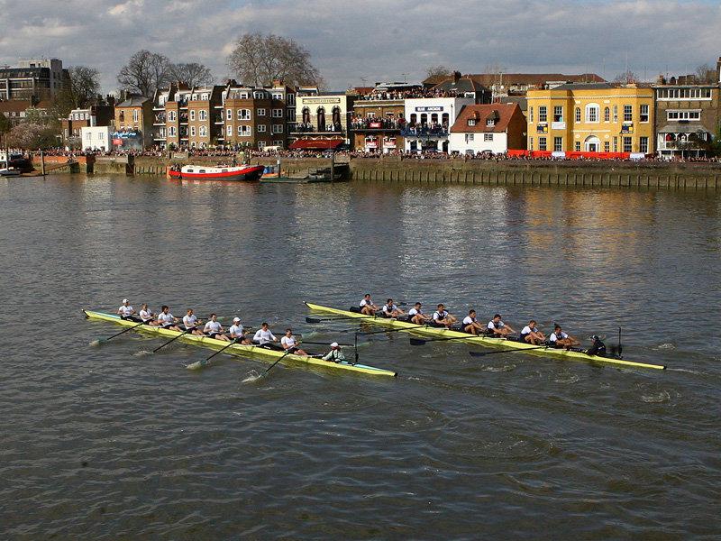 Boat Race – соревнование по гребле между командами Оксфорда и Кембриджа