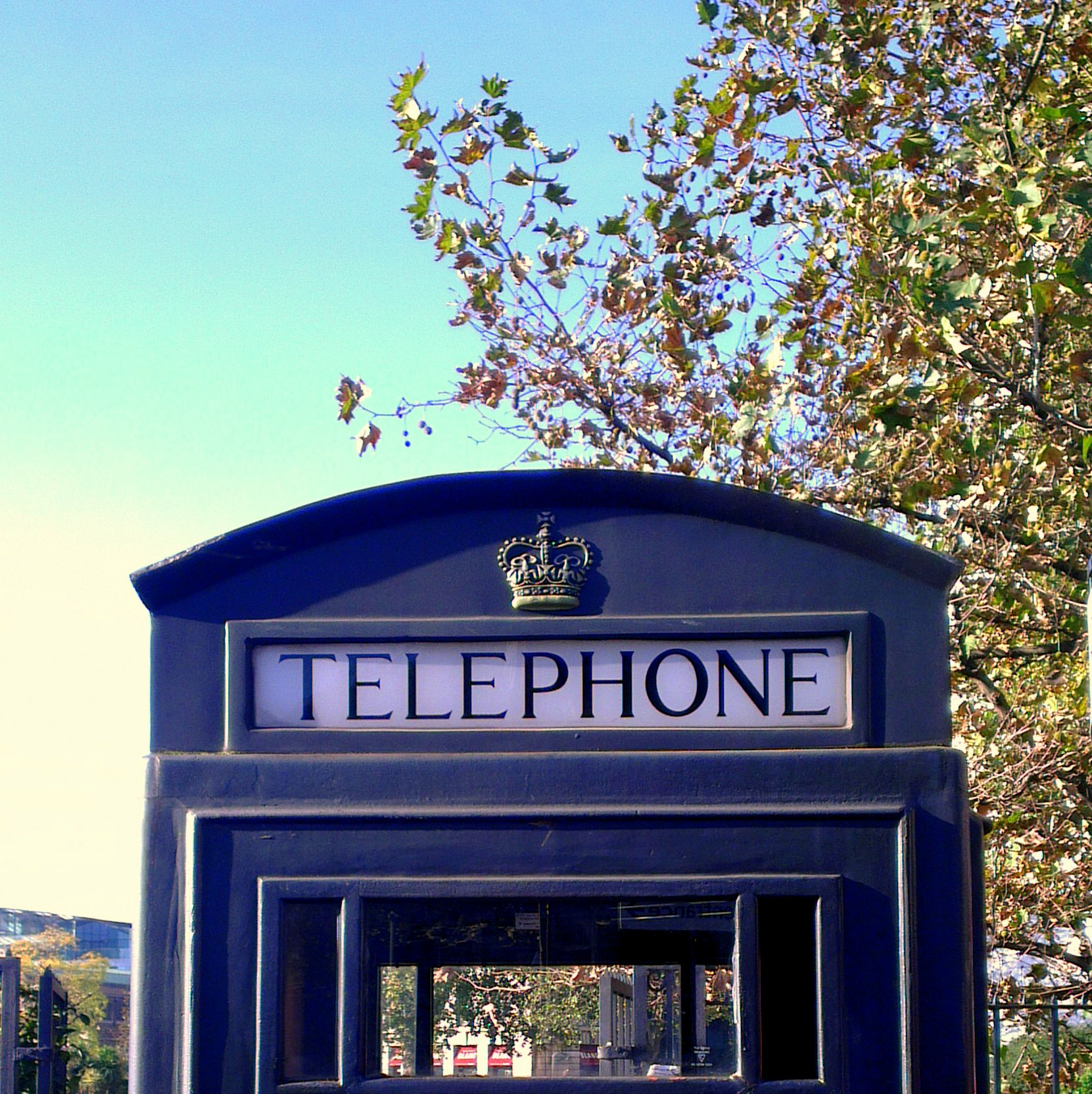 blue_telephone_booth