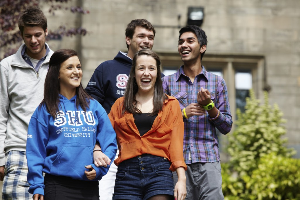 Студенты Sheffield Hallam University (фото www.unicentres.com)