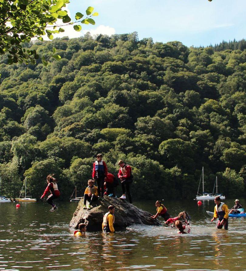 Международная летняя школа «Уиндермир» расположена на берегу одноименного озера (фото www.edulingo.de)