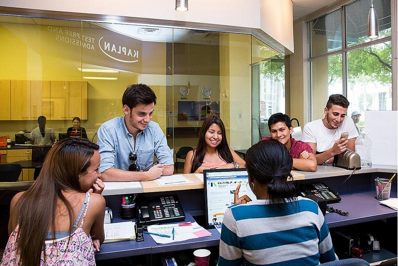KIC дает успешным студентам стипендии на обучение в британских университетах