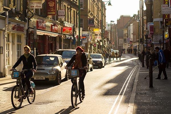 Улица недалеко от Queen Mary University of London