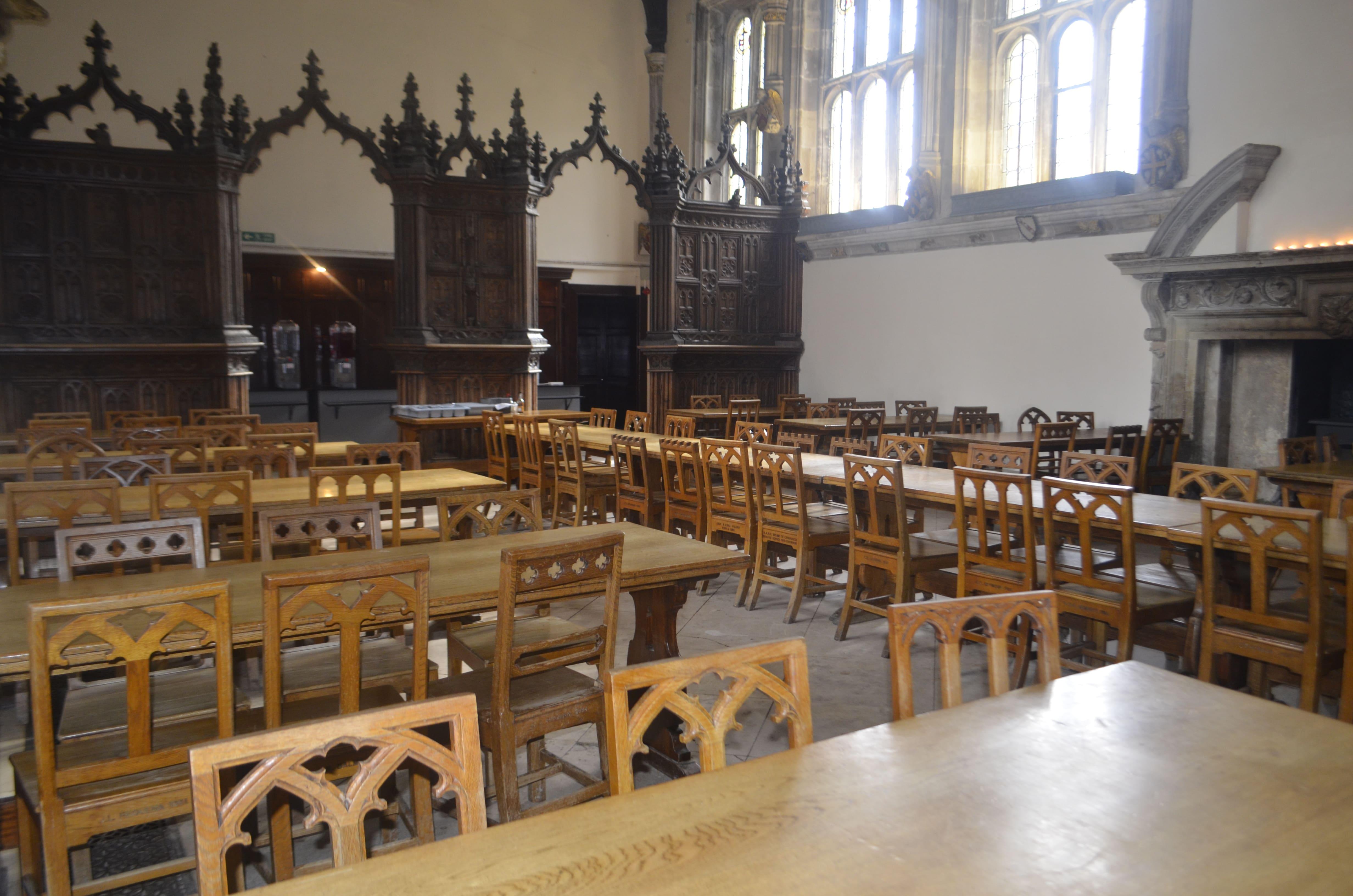 школьная столовая для поклонников Гарри Поттера