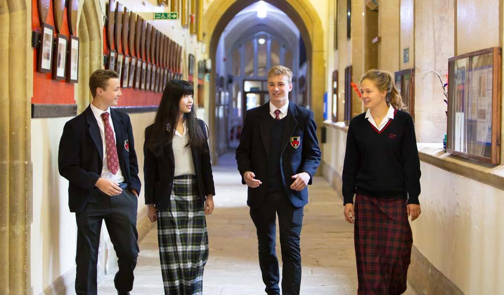 Стоит ли отправлять ребенка в британскую школу-пансион